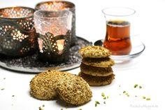 Arab Barazek sesame cookies - Syrian cookies - by Small Town Hippie Real Food Recipes, Cookie Recipes, Yummy Food, Muesli Slice, Sesame Cookies, Arabic Food, Snacks, Yummy Cookies, International Recipes