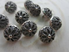 Vintage Buttons -10 matching twinkle back flower design, silver metal, (apr67b) by pillowtalkswf on Etsy