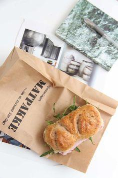 Valnøtt-rundstykker - My Little Kitchen Paper Shopping Bag, Kitchens, Food And Drink, Diy, Bricolage, Kitchen, Handyman Projects, Do It Yourself, Diys