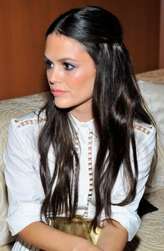 CHIC Beauty I rachel bilson effortless hair down style