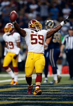 London Fletcher Photos - Washington Redskins v St Louis Rams - Zimbio Redskins Players, Redskins Football, Redskins Fans, Football Jerseys, Football Players, Football Is Life, Football Memes, London Fletcher, Redskins Pictures