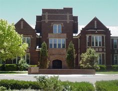 Portales, NM : Eastern New Mexico University Administration Building - Portales