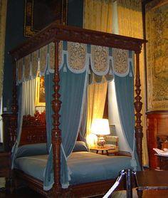 Castelos medievais: Castelo: residência por excelência do nobre, símbolo e orgulho da comunidade feudal