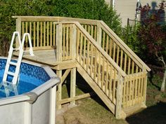 This is a pool deck located on the end of an oval pool. Description from c… – DECK Above Ground Pool Landscaping, Backyard Pool Landscaping, Oval Above Ground Pools, In Ground Pools, Above Ground Pool Stairs, Piscine Diy, Pool Deck Plans, Living Pool, Pool Ladder