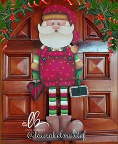 Santa Santa Crafts, Christmas Wood Crafts, Christmas Ornaments To Make, Christmas Projects, Christmas Crafts, Christmas Wall Hangings, Christmas Yard Decorations, Holiday Decor, Decorative Painting Projects