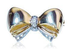 Brooch with Diamonds  Brosche Schleife mit 7 Diamanten aus 750 Gold