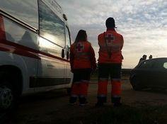 BUENOS DÍAS MUNDOOO desde CATALUÑA !!  Nuestro compañero @Ivan Flores Canós, nos da los buenos días junto a sus compañeros de Cruz Roja, en un servicio de maratón por relevos en la localidad de Sant Joan Despí, en Barcelona, Catalunya.  Buenos días Barcelona, buenos días mundooo...!!!! http://www.ambulanciasyemergencias.co.vu/2015/10/dias_20.html #ambulancias #sva #svb #tes #tts #CruzRoja