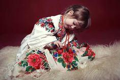Znalezione obrazy dla zapytania modern folk fashion