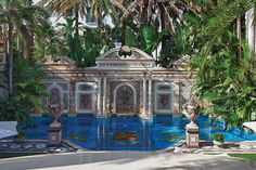 The former $41.5 million home of Italian designer Gianni Versace is today a luxury boutique hotel, restaurant and event space with a remarkable history. Vesace Mansion, Miami