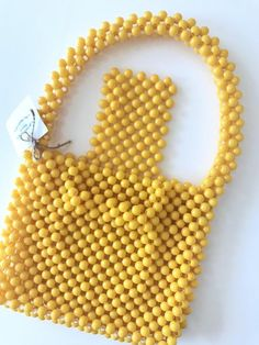 Beaded Bags, You Bag, Straw Bag, Wedding Gifts, Projects To Try, Gift Wrapping, Purses, Beads, Yellow