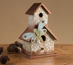 This elegant bird house can be added to any table in your home. Made from FolkArt paints, and Plaid wood surfaces.#FolkArt #paint
