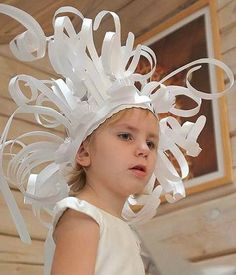 Paper Hat Sculptures This could be fun. Crazy Hat Day, Crazy Hats, Projects For Kids, Art Projects, Crafts For Kids, Paper Art, Paper Crafts, Paper Hat Diy, Funny Hats