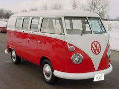 """Rent a Volkswagon bus AKA """"shaggin wagon"""" for wedding pictures - Weddingbee-Boards Volkswagen Transporter, Volkswagon Van, Vintage Volkswagen Bus, Vw Volkswagen, Vw T1, Vw Caravan, Vw Camper, Campers, Vw Bugs"""