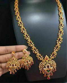 Jewellery Box Key Per Jewellery Gold Mangalsutra Designs, Gold Earrings Designs, Gold Jewellery Design, Gold Jewelry, Necklace Designs, Gold Designs, Ruby Jewelry, Jewellery Box, Diamond Jewelry