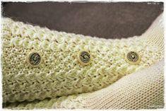 Suvikumpu: Nappivarsisukat - ohje Slipper Socks, Slippers, Needlework, Baby Shoes, Throw Pillows, Knitting, Embroidery, Dressmaking, Toss Pillows