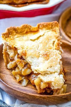 Saigon cinnamon and freshly grated nutmeg are the keys to making this the best homemade apple pie around. #applepie #pie #apples #thanksgiving #dessert Apple Pie Recipe Easy, Best Apple Pie, Easy Pie Recipes, Homemade Apple Pies, Apple Pie Recipes, Baking Recipes, Dessert Recipes, Apple Desserts, Perfect Apple Pie