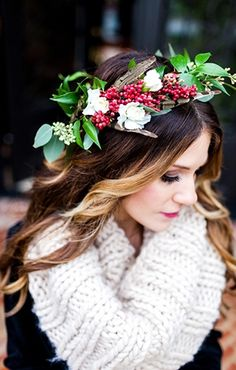 Cranberry Crown for the Holidays! (Photographer: Heather Cherie via Inspired by This)