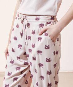 Spodnie z motywem kotów - - ROSE - ETAM Vogue, Floral, Skirts, Products, Fashion, Moda, Fashion Styles, Flowers, Skirt