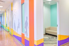 Toronto Sick Kids Children Hospital Boomerang Health Centre, Toronto, 2013 - C& Partners Architects Dental Office Design, Modern Office Design, Modern Interior Design, Modern Offices, Clinic Design, Healthcare Design, Children's Clinic, Lobby Interior, Hospital Design