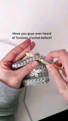 Tunisian Crochet Patterns, Crochet Stitches For Beginners, Tunisian Crochet Stitches, Beginner Crochet Projects, Crochet Flower Patterns, Crochet Videos, Crochet Motif, Crochet Designs, Crochet Dishcloths
