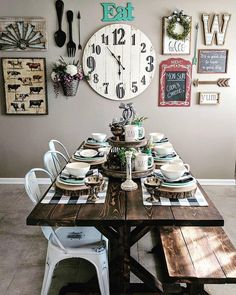 I Spy our #vintagestyle Cow Breed Print behind Alexis' gorgeous farmhouse tablescape! Thx for sharing! #walldecor #homedecor #wallart