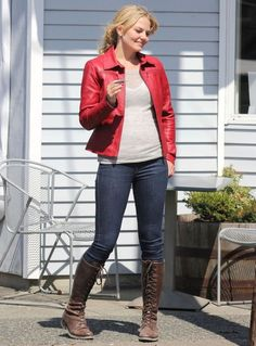 I loved her style so much that I copied her. Emma Swan/Jennifer Morrison.