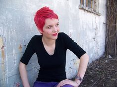 Red hair color describes your pixie haircut in a more nice way. Red color and pixie haircut always compliment each other and you can easily try it, to look. Short Red Hair, Short Pixie, Short Hair Cuts, Short Hair Styles, Pixie Cut Rot, Red Pixie Cuts, Bright Red Hair, Red Hair Color, Pixie Hairstyles