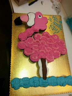 My flamingo cupcake cake