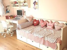 1000 Images About Uni Room Ideas On Pinterest White