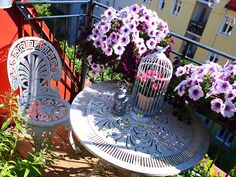 Balcony design ideas for a cozy and comfortable outdoor space - Decoration ideas Home Garden Design, Home And Garden, Diy Design, Design Ideas, Interior Design, Porches, Small Balcony Design, Ideas Prácticas, Industrial Chic