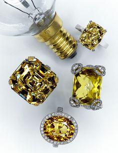 British Vogue jewelery by Jenny van Sommers I Love Jewelry, Jewelry Box, Vintage Jewelry, Jewelry Accessories, Jewlery, Diamond Rings, Diamond Cuts, Jaune Orange, Jewelry Photography