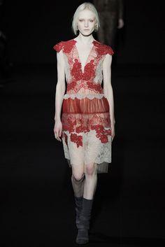 Alberta Ferretti Fall 2014 Ready-to-Wear - Collection - Gallery - Style.com