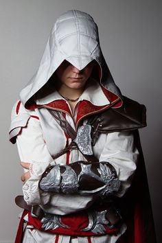 Ezio Auditore da Firenze (Female Version) from Assassin's Creed 2, Cosplayer: LadyBad, Photographer: greengreencat