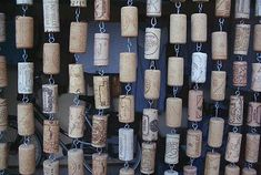 Twee levens en een kurkengordijn Wine Corks, Bottles, Diy Crafts, Curtains, Bar, Decoration, Create, How To Make, Design