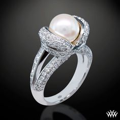 never would have thought a pearl engagement ring could look this good