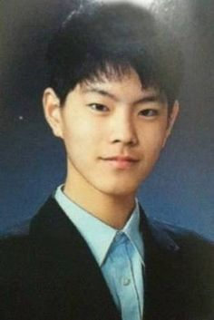 Netizens gawk over these handsome graduation photos of the princes on 'Scarlet…