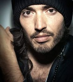 Russell Brand - beautiful portrait of him. He always looks somewhat manic and weird to me, and here his eyes are so calm and beautiful. Russell Brand, Beautiful Boys, Beautiful People, Gorgeous Men, Persona, Minions, Bae, Lisa, Alexander Skarsgård