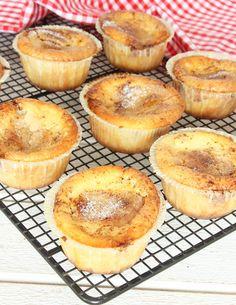 Lätt kladdiga kanelbullemuffins – Lindas Bakskola Bagan, Wine Recipes, Baking Recipes, Cookie Cake Pie, Bakery, Sweet Treats, Food And Drink, Cupcakes, Sweets
