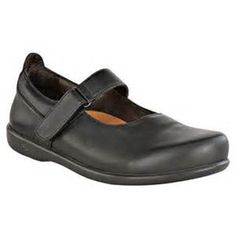 Birkenstock presents The Reutlingen Footprints! This beautiful dress shoe is stylish yet extremely comfortable and arch supporting. Try one today in store or online @ Good-Earth.com