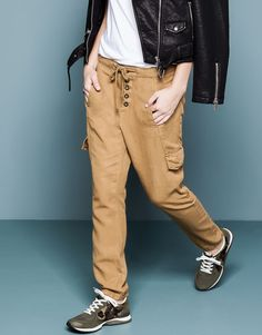 Pull&Bear - donna - pantaloni e bermuda - pantaloni boyfriend cargo - kaki - 09685326-I2014 39,99
