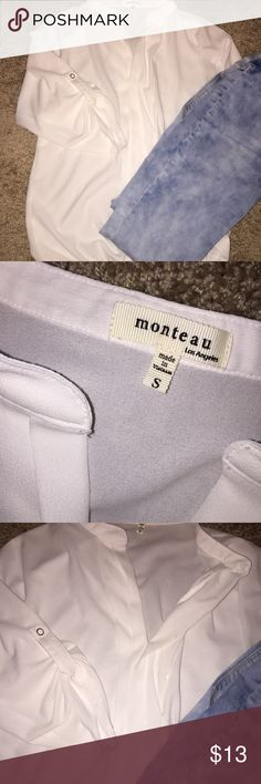 White Blouse Great condition!!!! I've only worn it a couple times. I just grew out of it. *NOTHING IN MY CLOSET IS OVER $20* 💗 Monteau Tops Blouses