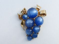 CORO Fur Clip blue moonglow lucite gold tone bow AA294 #Coro
