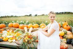 Hochzeitswahn Galerien   Hochzeitsblog Hochzeitswahn – Sei Inspiriert! Fall Wedding, Pumpkin, Wedding Photography, Autumn, Table Decorations, Outdoor, Weddings, Photography, Scary Halloween