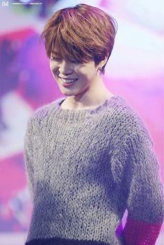 Sorriso mais lindo, encantador, os olhinhos sorriem junto ♡