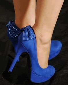 Fashionista: Blue Shoes for Party