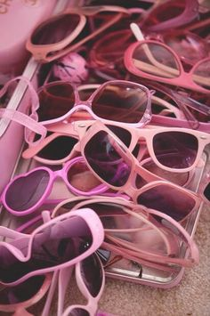 Pile of Pink Sunglasses via article on Kitten Kay Sera: The pink lady with the pink dog - Telegraph Pink Lady, Color Rosa, Pink Color, Pastel Colours, Vintage Pink, Tout Rose, Catty Noir, Pink Sunglasses, Oakley Sunglasses