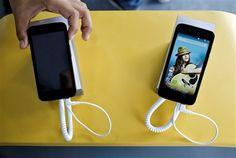 """Os portugueses gastaram 441 milhões de euros em reparações e  substituições de """"smartphones"""" nos últimos sete anos, segundo um estudo  divulgado hoje por uma empresa norte-americana de reparação tecnológica."""