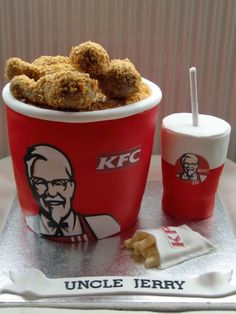 KFC with a difference. This is NOT real KFC but a beautifully decorated cake. Unique Cakes, Creative Cakes, Cupcakes, Cupcake Cakes, Food Cakes, Kfc Cake, Cakes That Look Like Food, Realistic Cakes, Bolo Cake