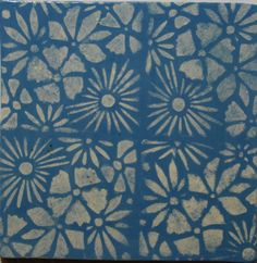 Gürber Keramik Manufaktur handgefertigte Plättli, Keramikplatten und Ofenkacheln Vintage, Quilts, Contemporary, Rugs, Design, Home Decor, Elderly Crafts, Ceramic Plates, Tiling