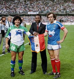 Michel Platini's farewell game, with Pelé & Maradona (May (Nancy, Capital of Lorraine - France) Michel Platini, Football Images, Football Pictures, Kids Soccer, Football Soccer, Soccer Stars, Italian League, Paisley Scotland, Diego Armando